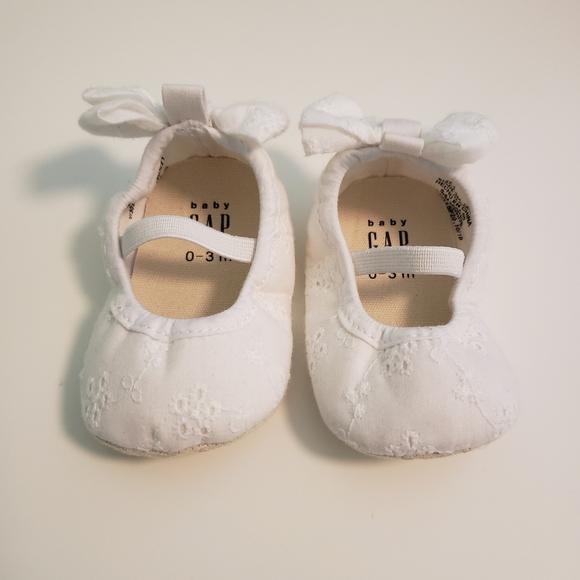 Baby Gap Eyelet Ballet Flats
